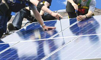 solar-crew-installation