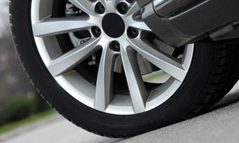 71dc5bfd32e Bob Jane vs Goodyear  Car tyres compared