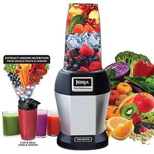 Nutra Ninja, blending fruit and vegetables.