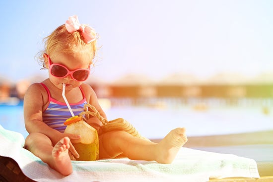 baby in sun (sunscreen article)