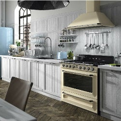 Smeg Rangehoods could fit in any kitchen.