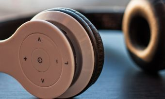Wireless headphones buying guide