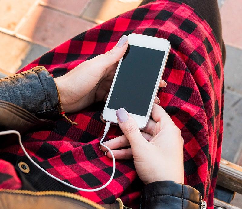 Person Using Telstra Prepaid Phone iPhone 6s