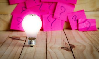 Light bulb and pick notes