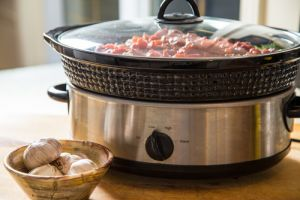 What is a slow cooker?