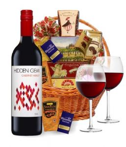classic_red_wine_basket