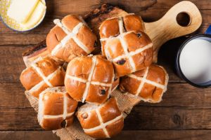 Best hot cross buns Where Should I go? Is it worth it? Rating Review Compared Australia