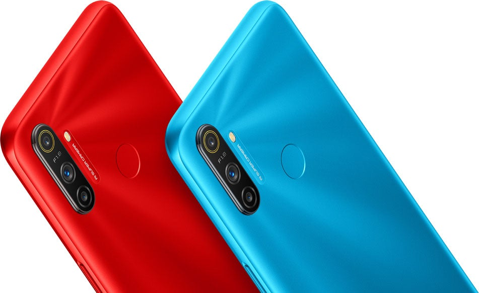 Realme C3 in red and blue