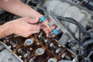 Engine fuel injector