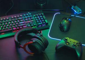 Gaming Controller & Keyboard