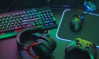 Gaming desk set up