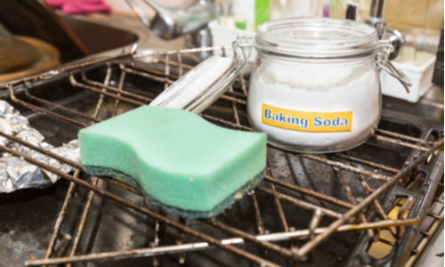 How to clean your oven with baking soda & vinegar