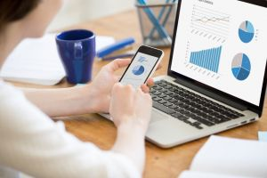 Using accounting software on phone