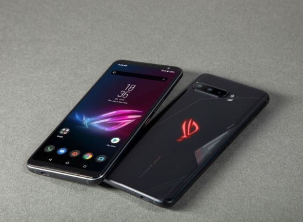 The back and the front of the ROG Phone 3