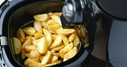 How much food can fit in an air fryer?