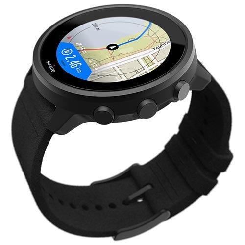 Suunto 7 Titanium watch in black showing map