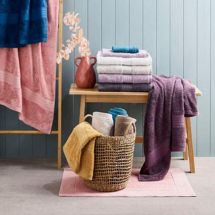 Spotlight towels