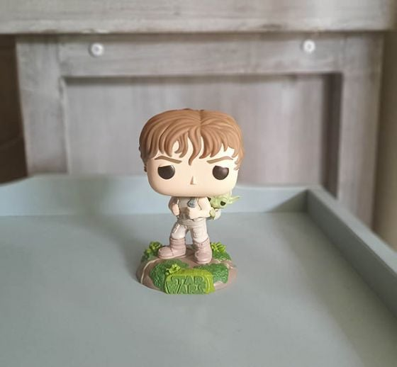 Portrait photo of Luke Skywalker figurine