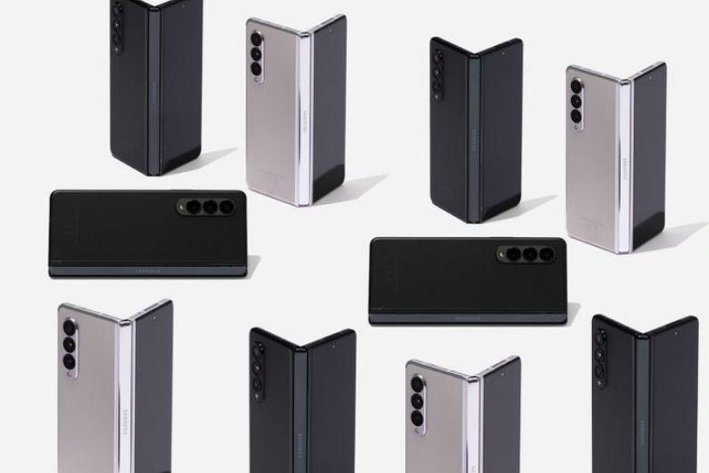 Several Galaxy Z Fold 3 phones