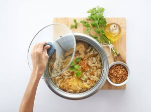 Cooking stew in rice cooker