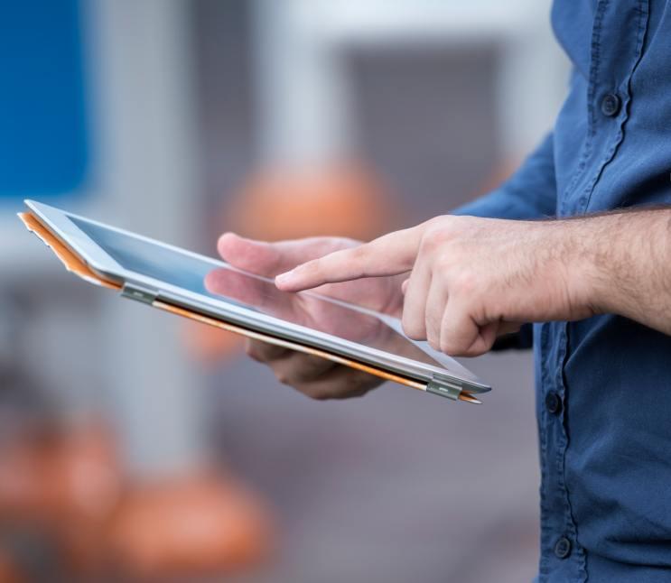 man using tablet thumbnail